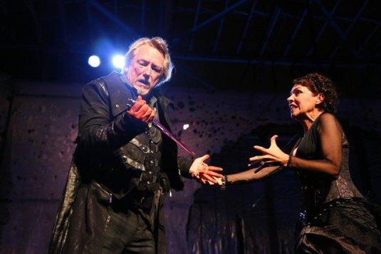 John Walcutt as Macbeth and Evelyn Carol Case as Lady Macbeth. Photos by Jordan Kubat