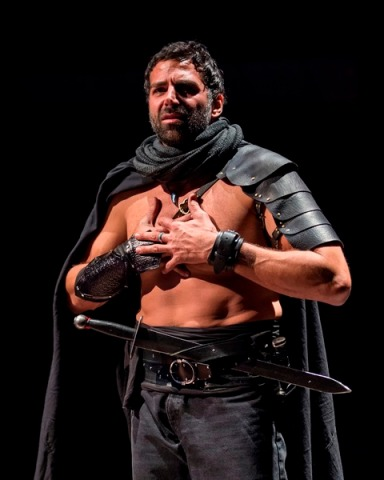 Elijah Alexander as Macbeth. Photo credit: Craig Schwartz